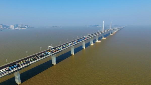 交通大升級助推灣區兩岸融合發展<br/>Traffic upgrading promotes the integrated development...
